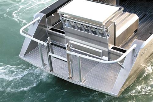 Transom fishing platform -on Senator Typhoon 950