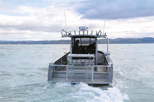 Senator Typhoon 950 on the water