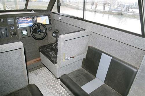 Senator Typhoon 950 cabin interior