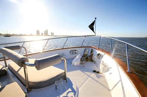 Bow sunpad on Clipper Cordova 60