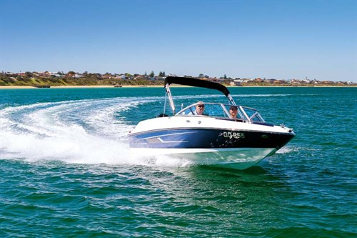 Bayliner 170 Outboard on the water
