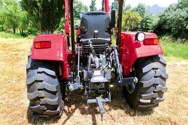 Mahindra -4025-rear