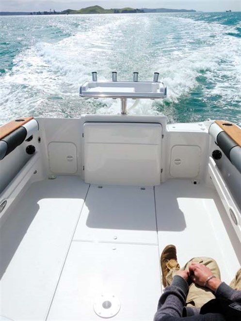 Rayglass Legend 2800 fishing deck