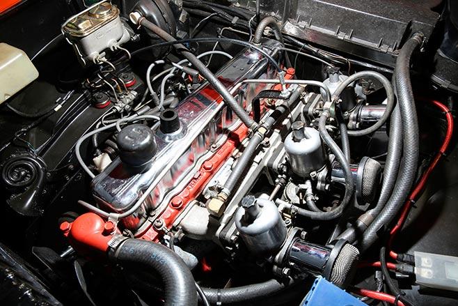 Holden -GTR-engine -658