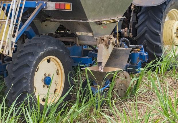 REEFA Fertiliser Stool Splitting Application