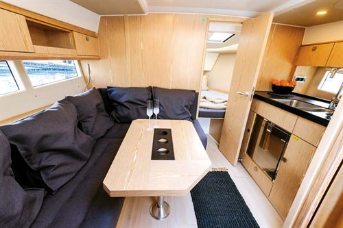 Cabins in Sealine S330 boat