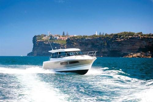Jeanneau NC9 motoryacht