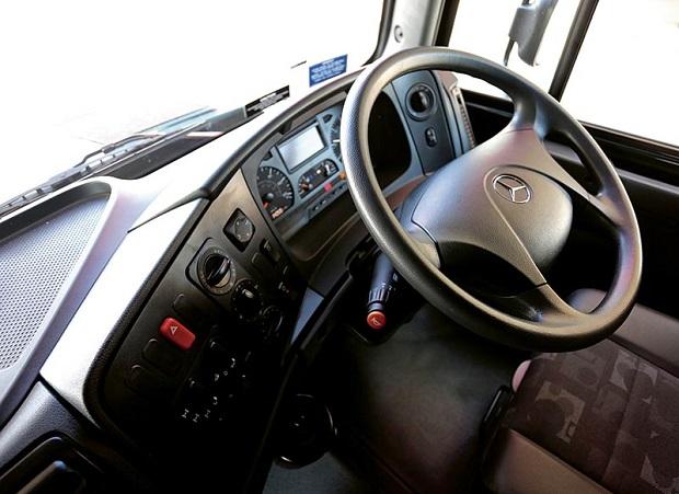 Mercedes Benz Zetros _control