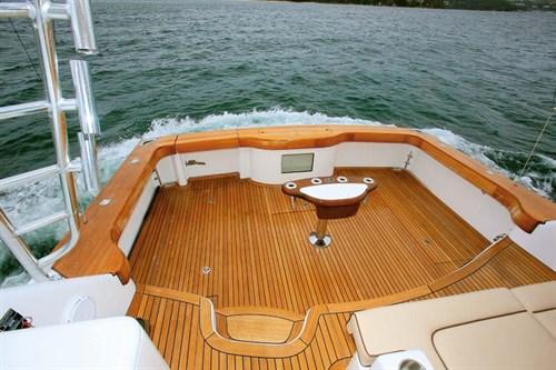 Hatteras 45 fishing deck
