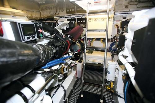 1150hp Caterpillar C18 marine diesel engines