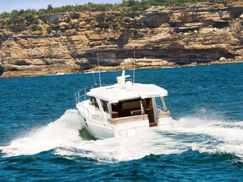 Integrity 460 Grand Sedan on the water