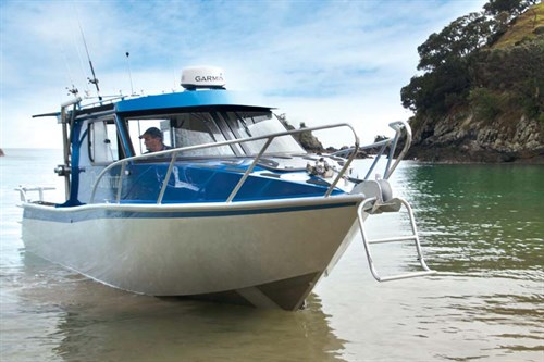 Image 8.25m Fishfinder at rest