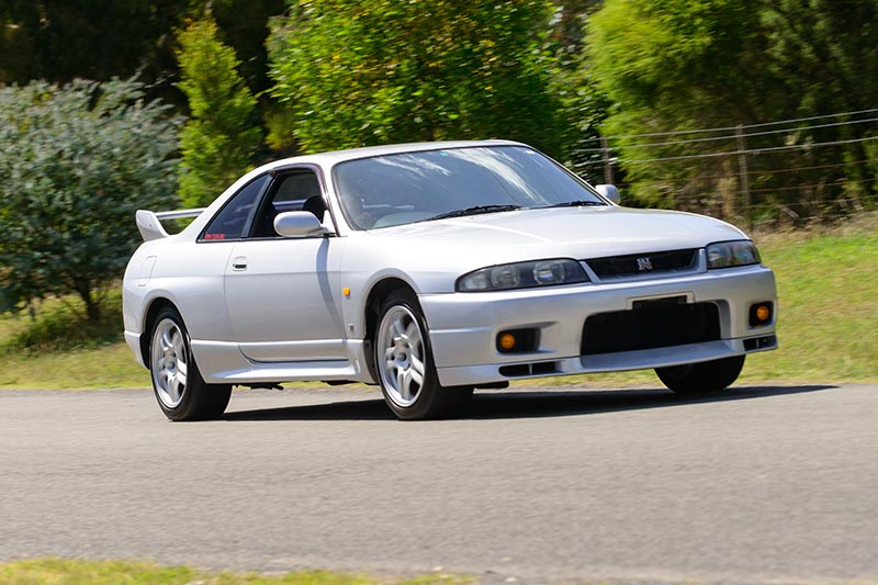 Nissan -skyline -onroad -7