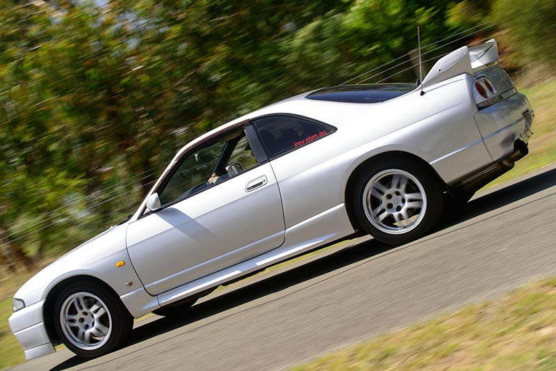 Nissan -skyline -onroad -3