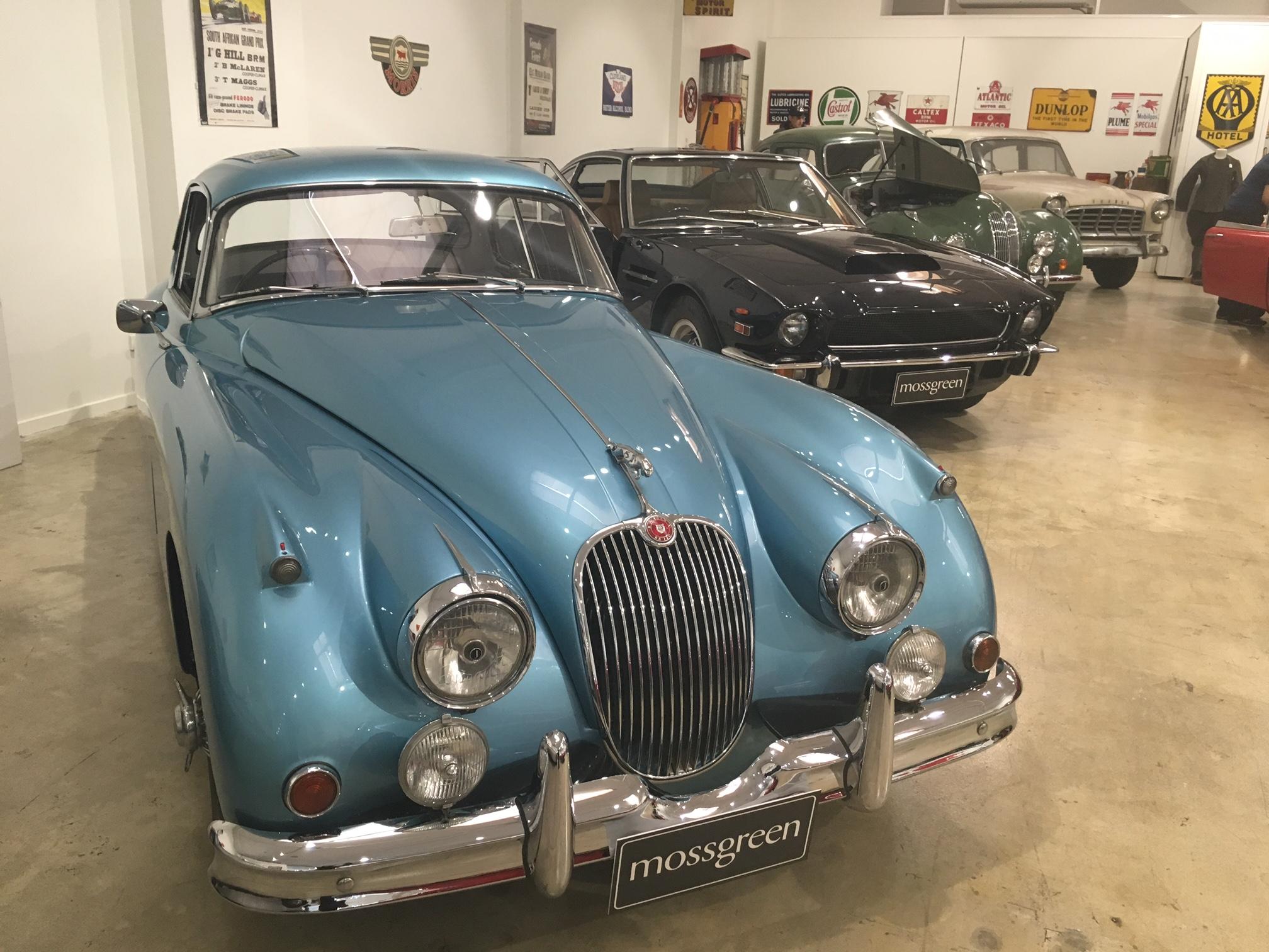 Mossgreen -Jaguar -showroom -1
