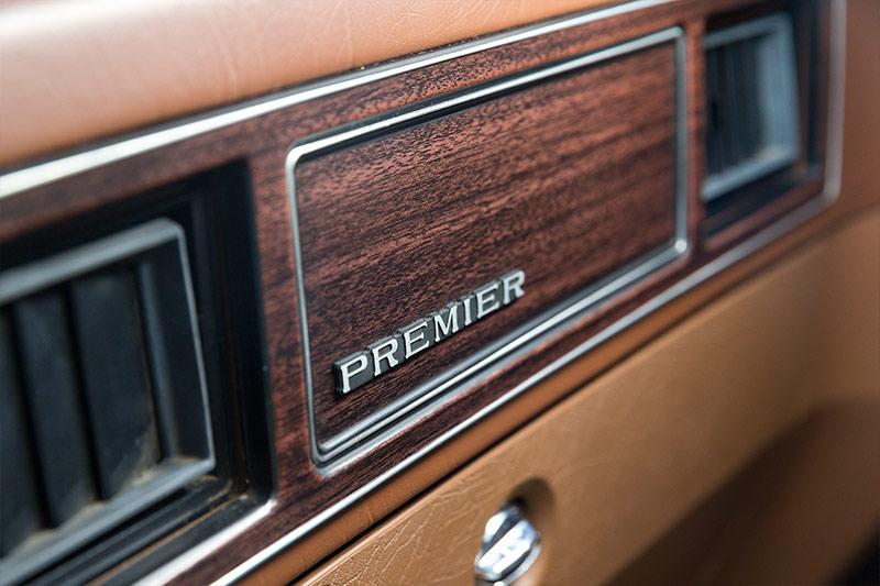 Holden -HQ-HZ-premier -dash -badge