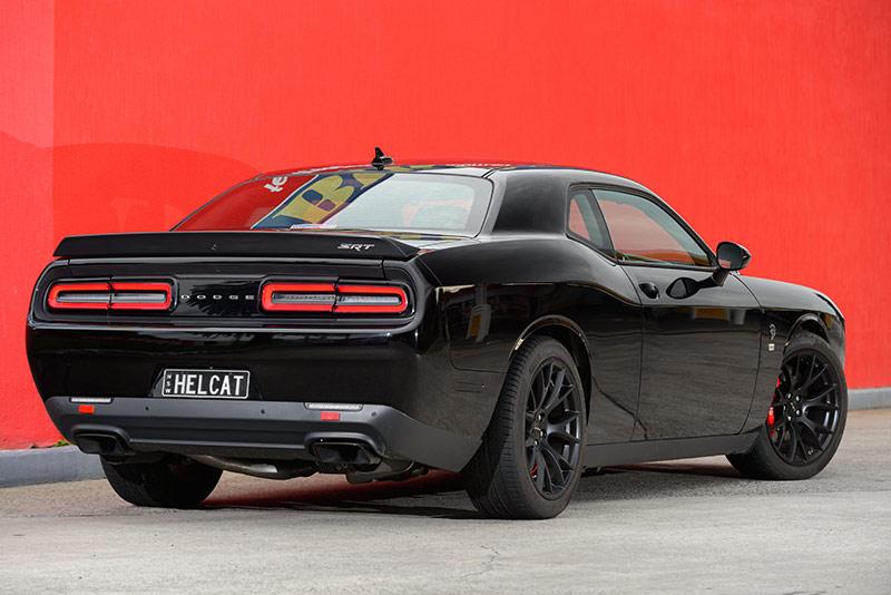 Dodge -hellcat -rear
