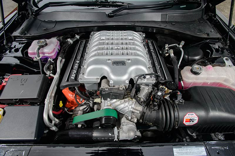 Dodge -hellcat -engine -bay