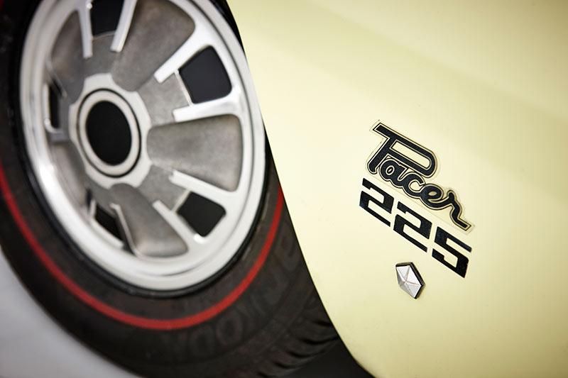 Chrysler -valiant -pacer -wheel