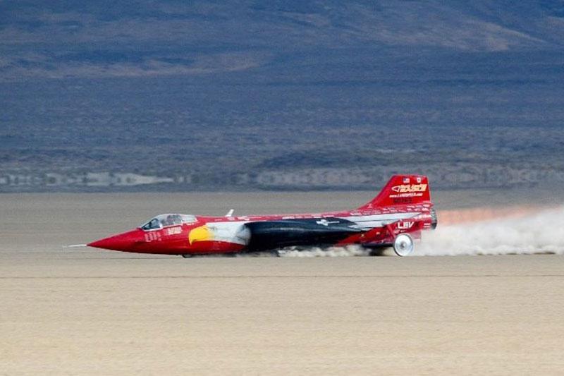 Lockheed -F-104-Starfighter -land -speed