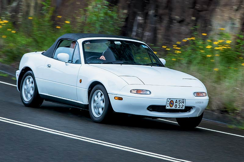 Mazda -mx 5-onroad -2
