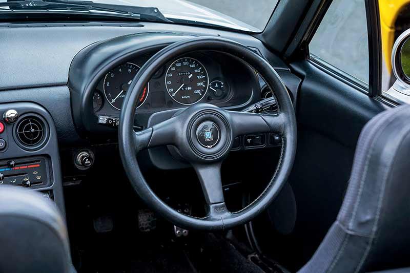 Mazda -mx 5-steering -wheel