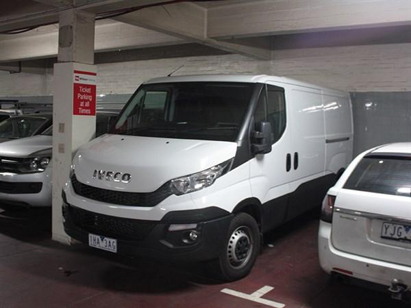 Iveco ,-Daily ,-Test -Drive ,-Matt -Wood ,-Trade -Trucks