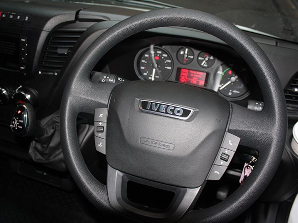 Iveco ,-Daily ,-Test -Drive ,-Matt -Wood ,-Trade -Trucks4