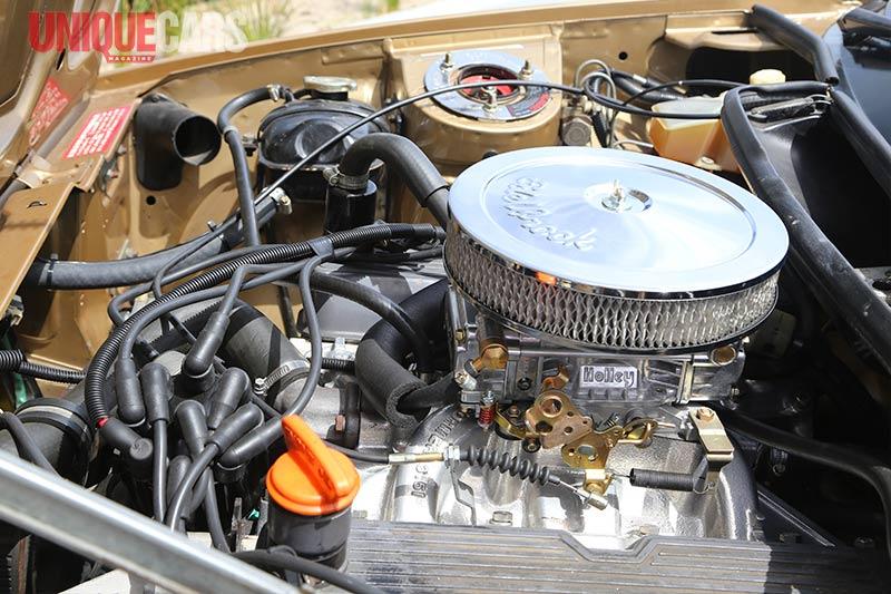 Triumph -tr 8-engine -bay