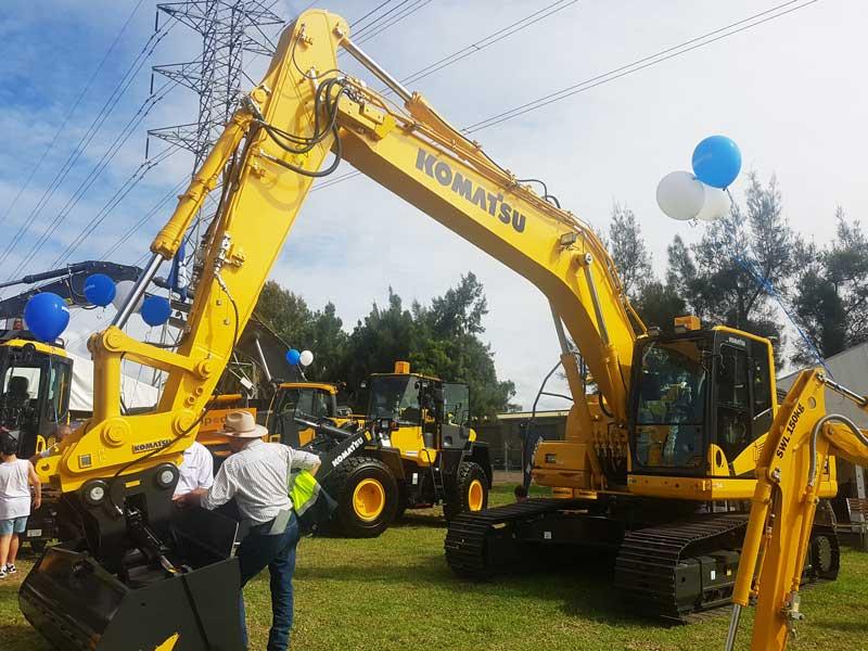 Komatsu PC210LCi-10 excavator
