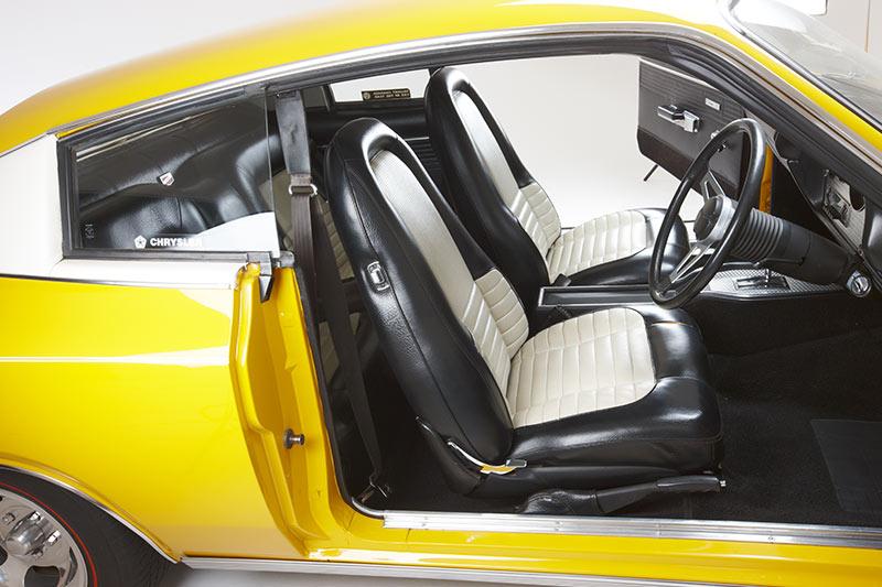 Chrysler -charger -e 55-interior