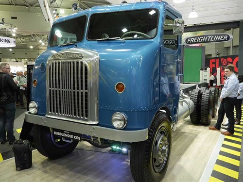 Freightliner -bubble -nosed -restored