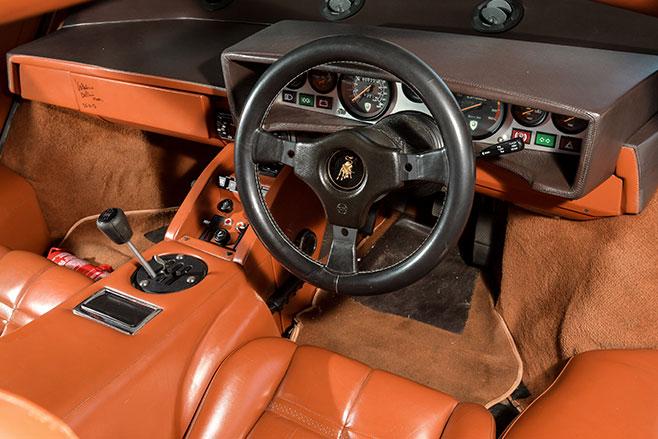 Lamborghini -countach -interior