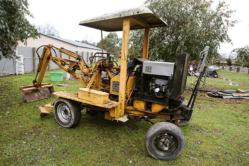 Bill 's -machine ---used -to -be -used -for -digging -graves -(not -by -him )-now -for -burying -sheep -and -cattle -IMG_0669