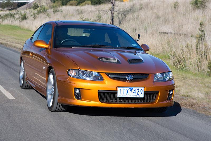 Holden -monaro -cv 8-z -onroad -3