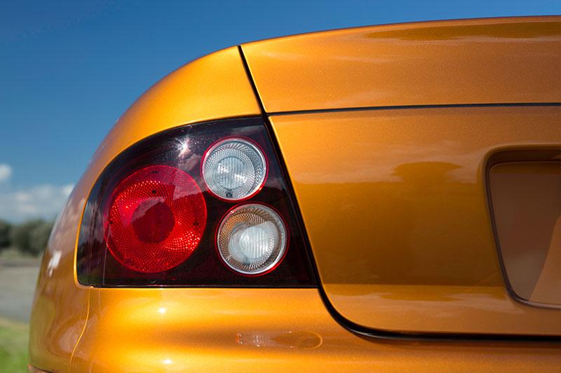 Holden -monaro -cv 8-z -tail -light