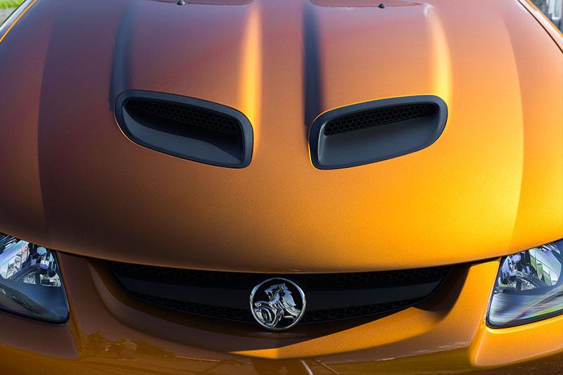 Holden -monaro -cv 8-z -bonnet -2