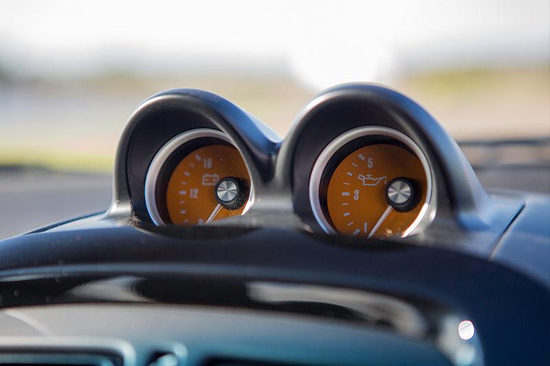 Holden -monaro -cv 8-z -gauges