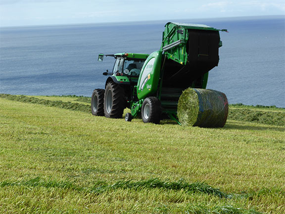 The McHale V640 working a field