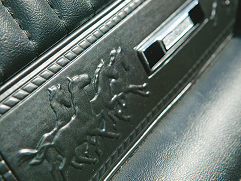 Ford -mustang -seat -2