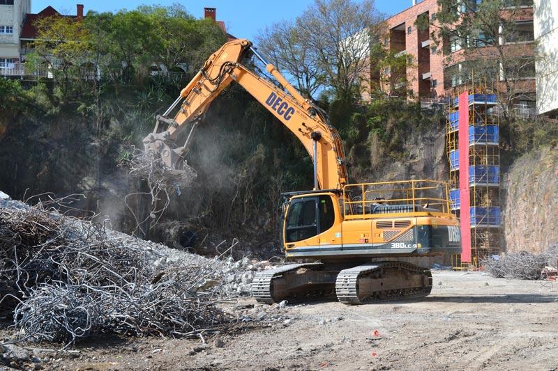 Hyundai -R380LC-9 Excavator