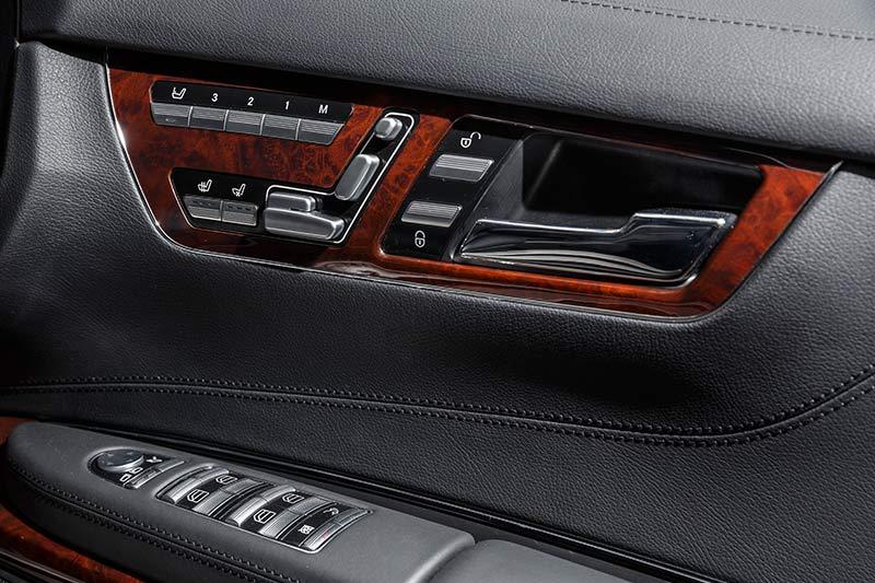 Mercedes -benz -cl 63-door