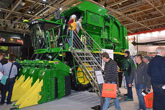The John Deere CP690 on the stand at Agritechnica 2017