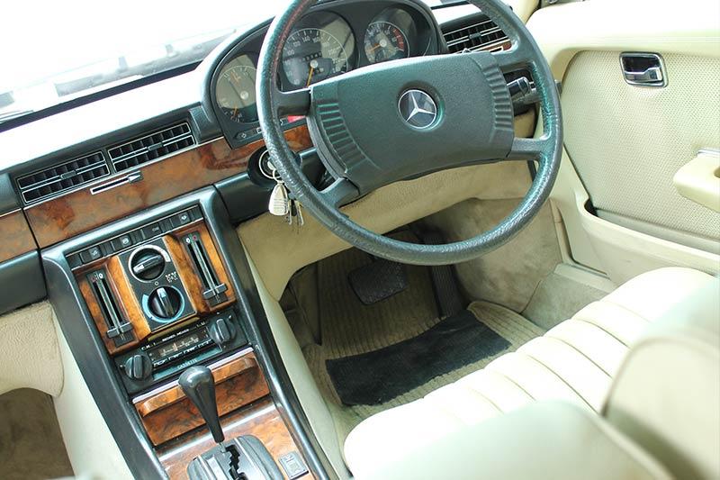 Mercedes -benz -450-sel -interior -3