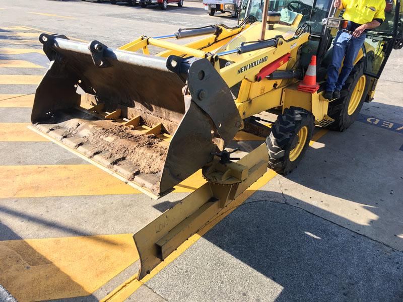 New -Holland -LB90B-backhoe -loader