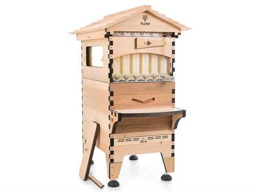 Studio %20product %20shot %20of %20an %20untreated %20Flow %20Hive %202%20in %20western %20red %20cedar .%20small %20%20honeyflow
