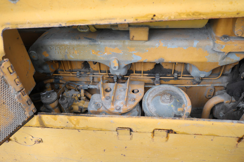 Komatsu -D65E-6-dozer