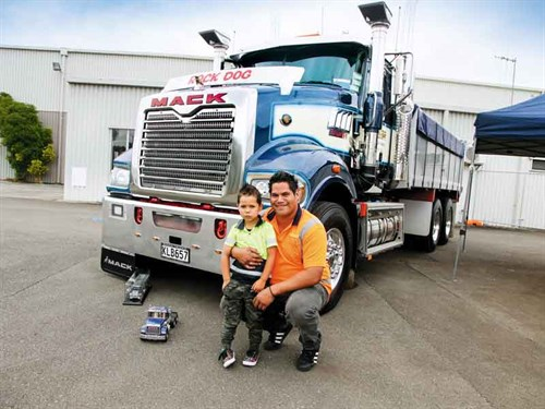 Best -Mack -winner --driver -for -Clive -Taylors -Ltd ,-Andy --Maynard -and -son -Bradley