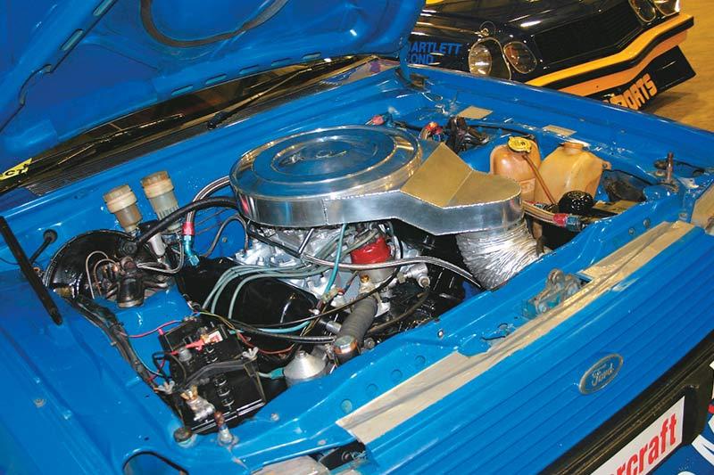 Dick -johnson -tru -blu -falcon -engine -bay
