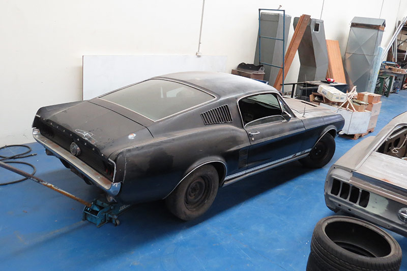 Ford -mustang -shell